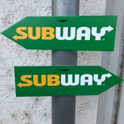 Arrow Sign Pair SUBWAY incl. cable strap