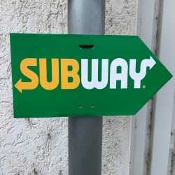"Arrow Sign ""SUBWAY"" (right) FRESH FORWARD"